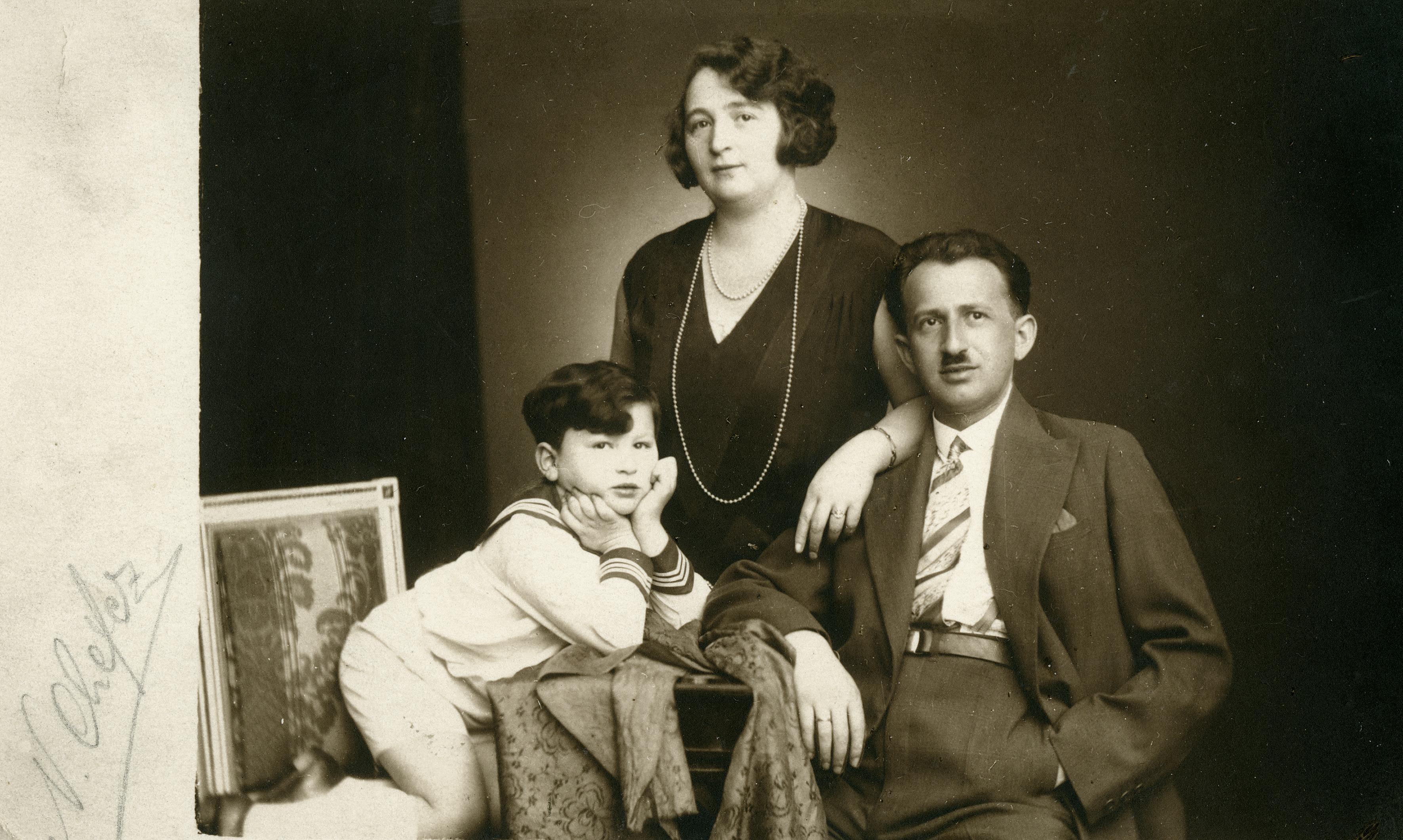Else Fleck mit ihrem Mann und dem Sohn Otto