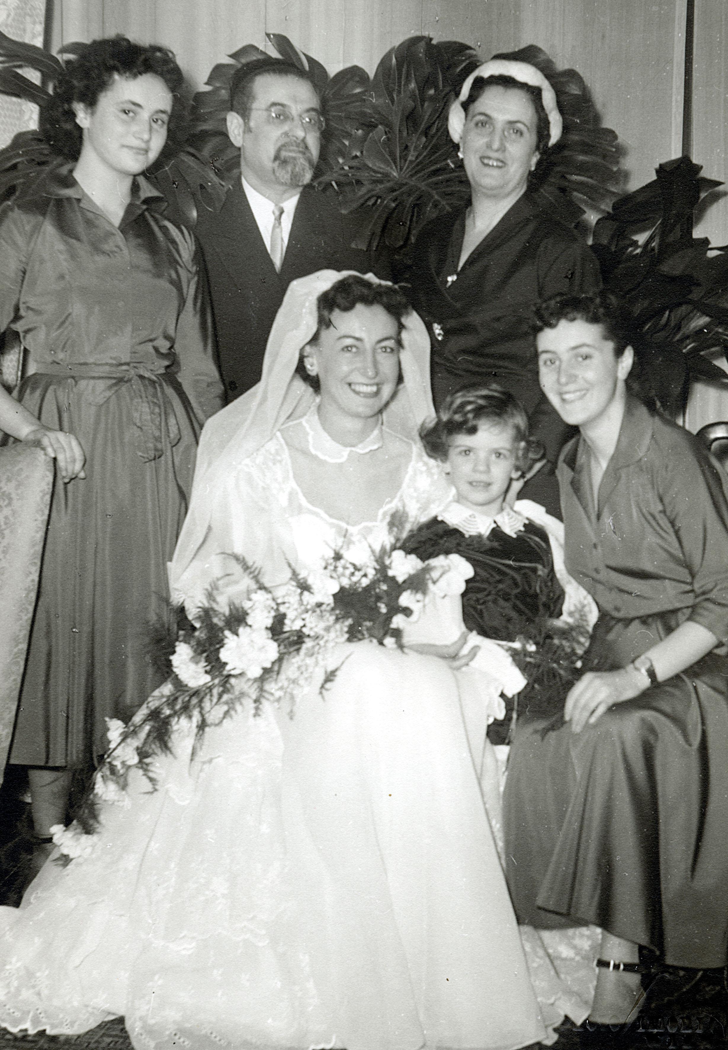 Gertrude Kritzer als Braut