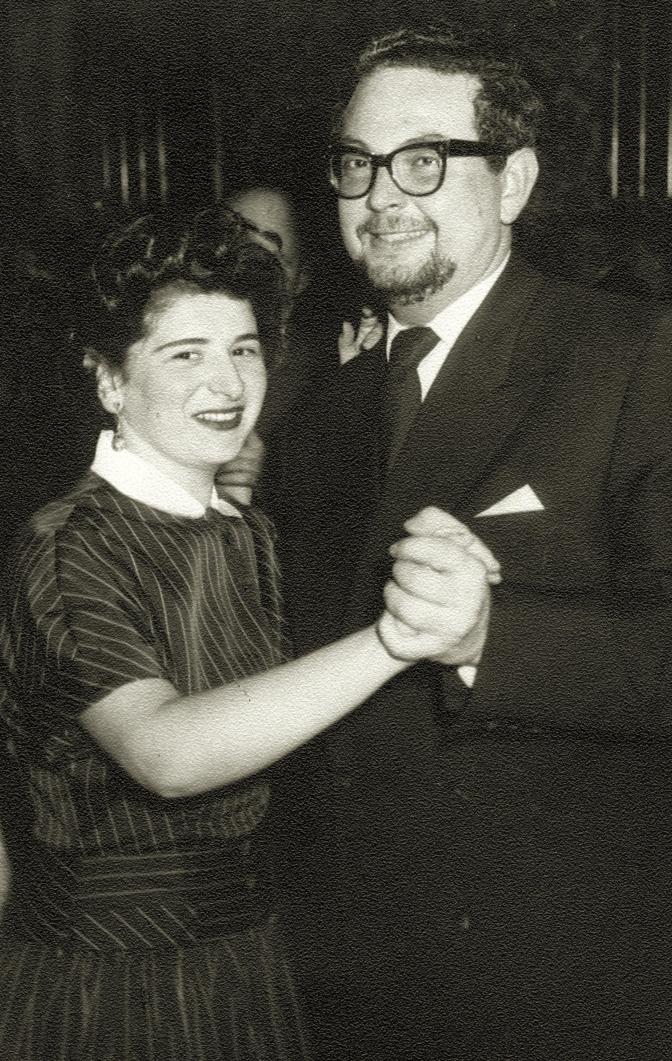 Kitty Schrott mit einem Tanzpartner im Kursalon