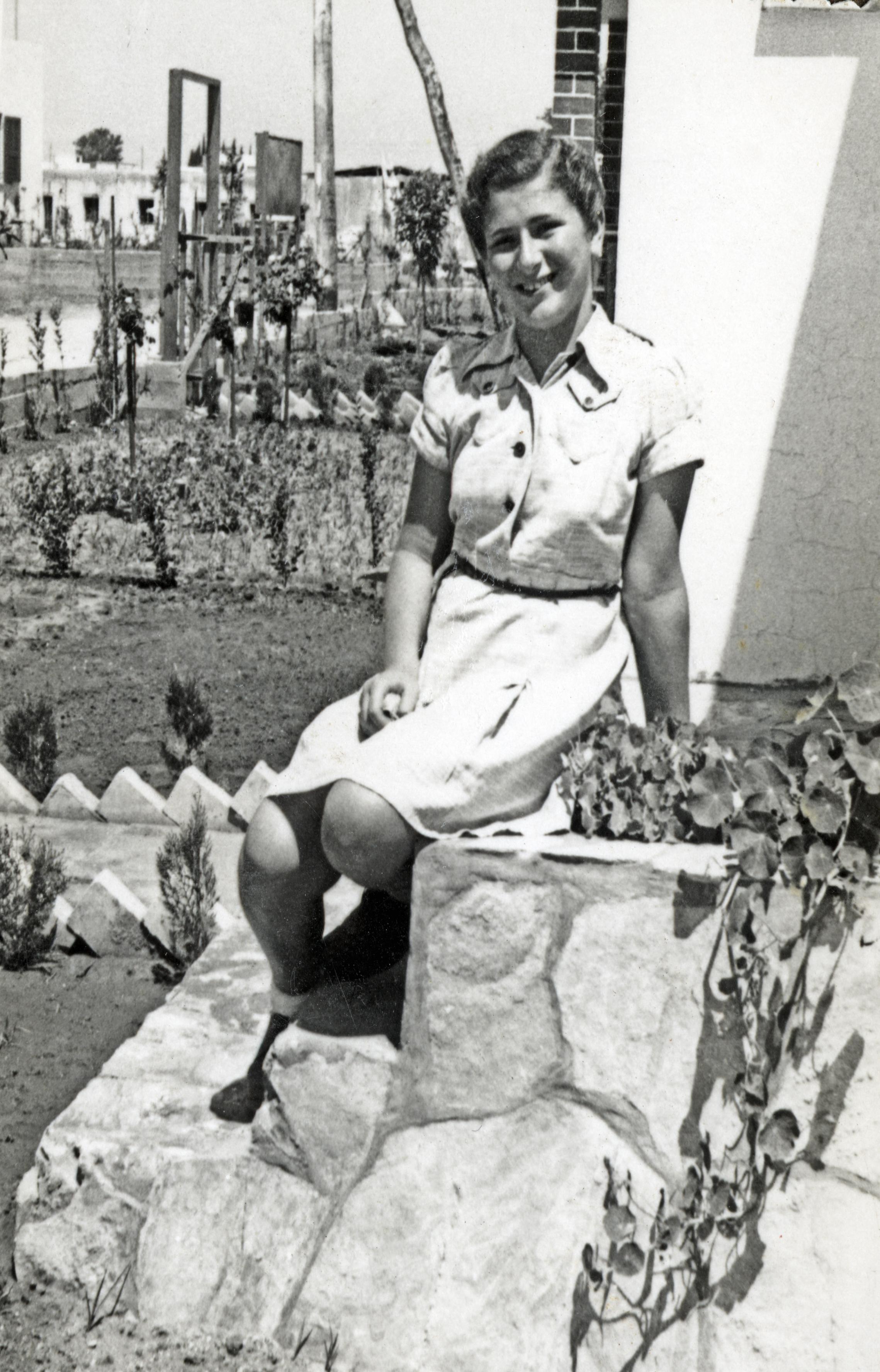 Kitty Schrott vor ihrer Rückkehr nach Österreich in Palästina