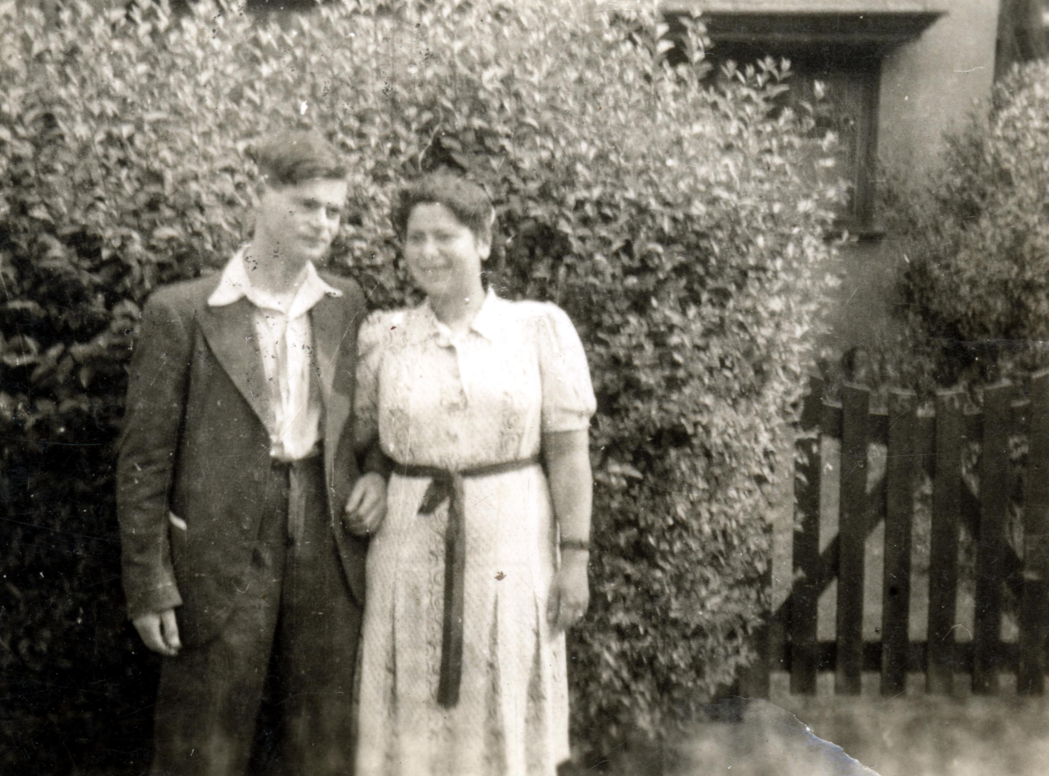 Ludwig Grossmann und seine Schwester Jeanette Hendon in England