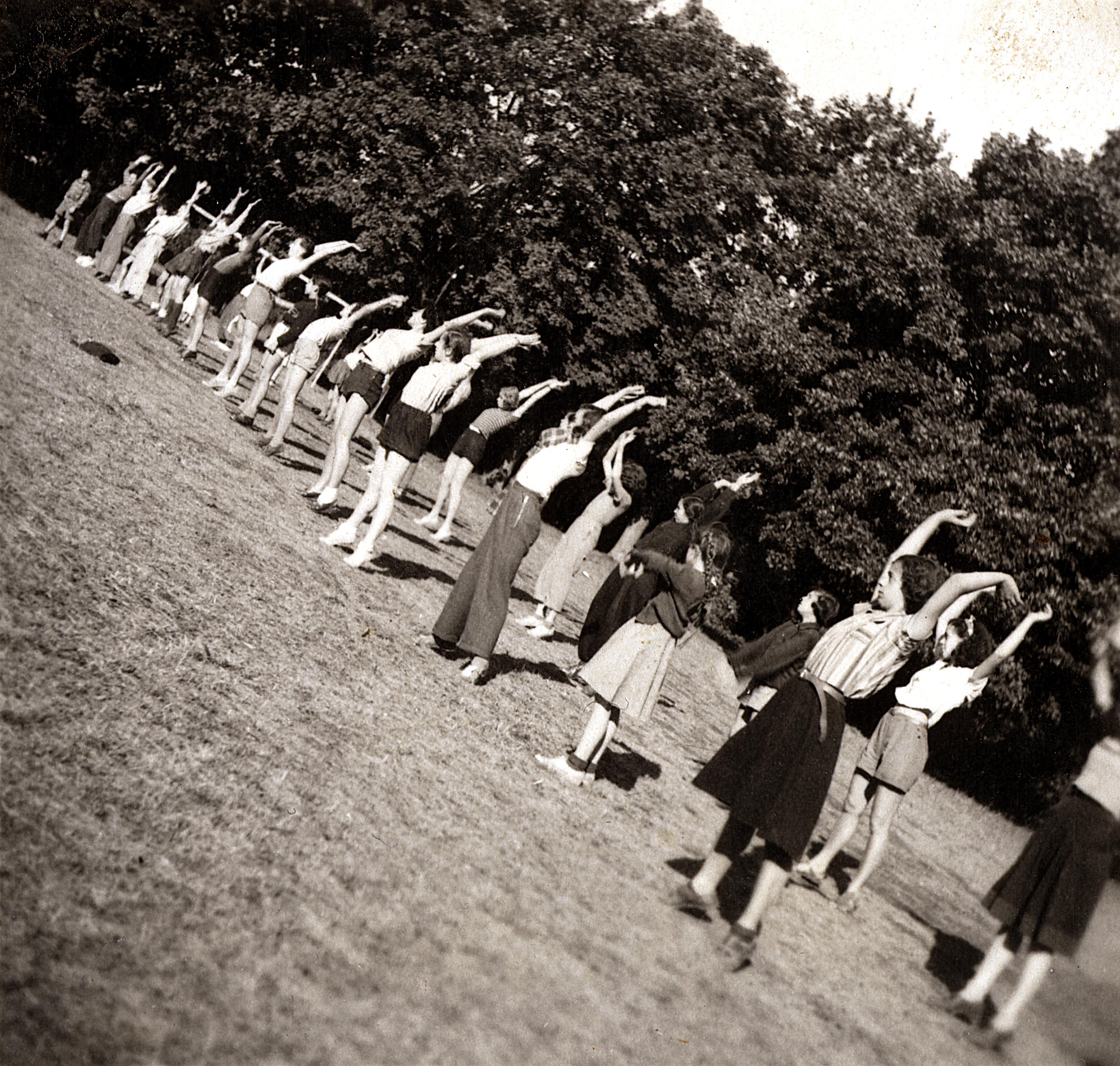 Morgengymnastik beim Shomer Hazair