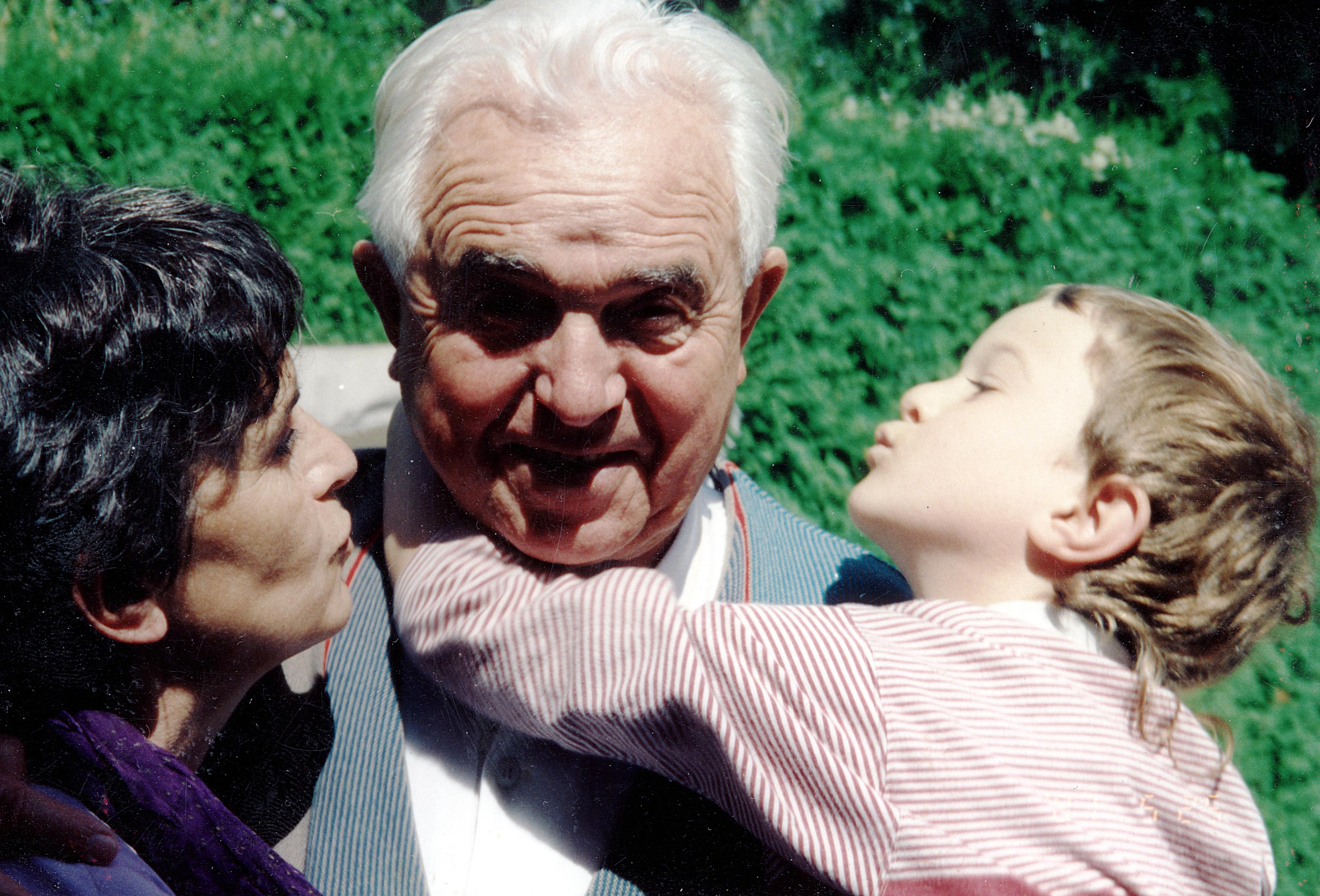 Oskar Rosenstrauch mit seiner Tochter Hazel Rosenstrauch und seinem Enkel Luis Rosenstrauch