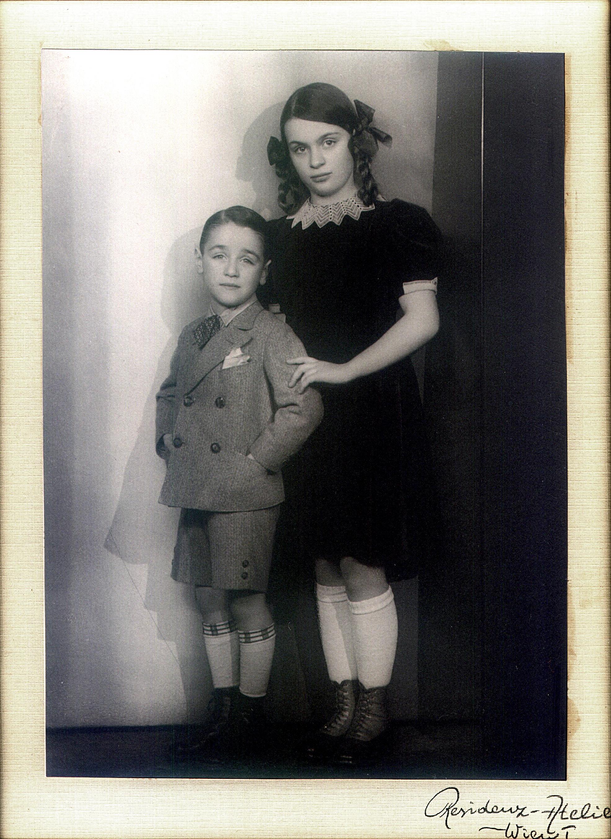 Renate Jeschaunig mit ihrem Bruder Robert [Bob]