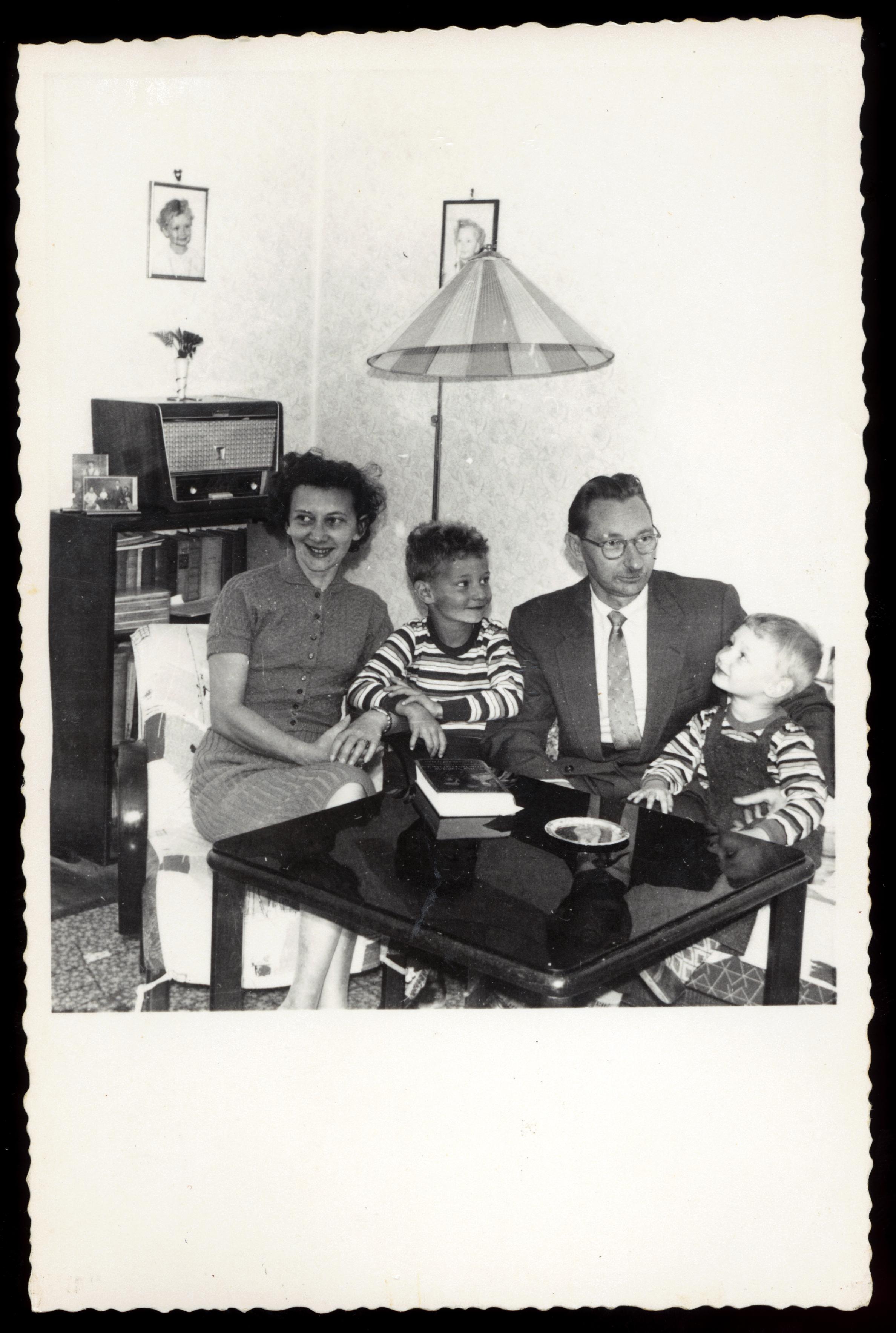 Max und Lilli Tauber mit ihren Söhnen Willi und Heinz