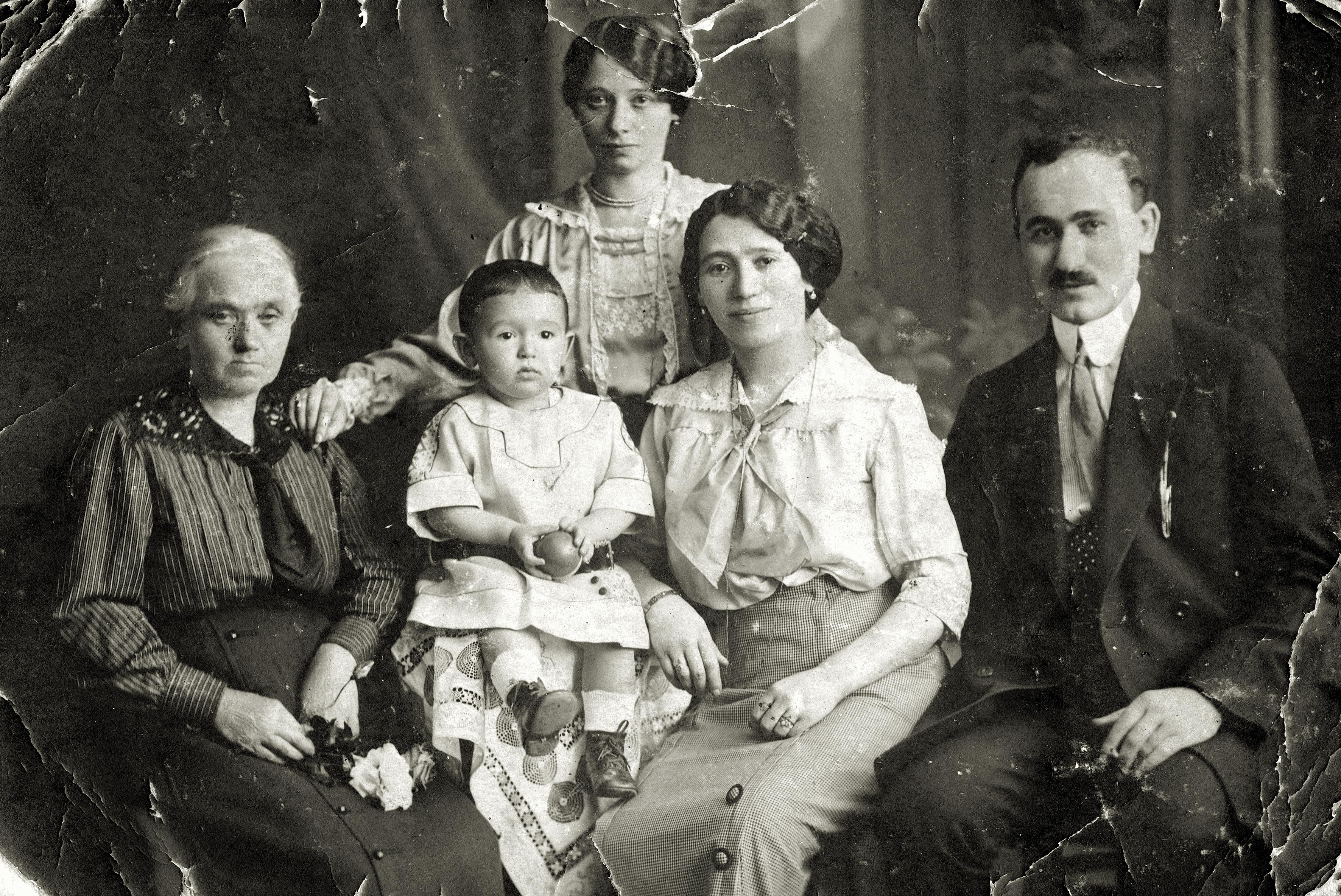 Jakob und Marie Steiner mit Sohn Eugen und Anna Fiala, Schwester der Mutter