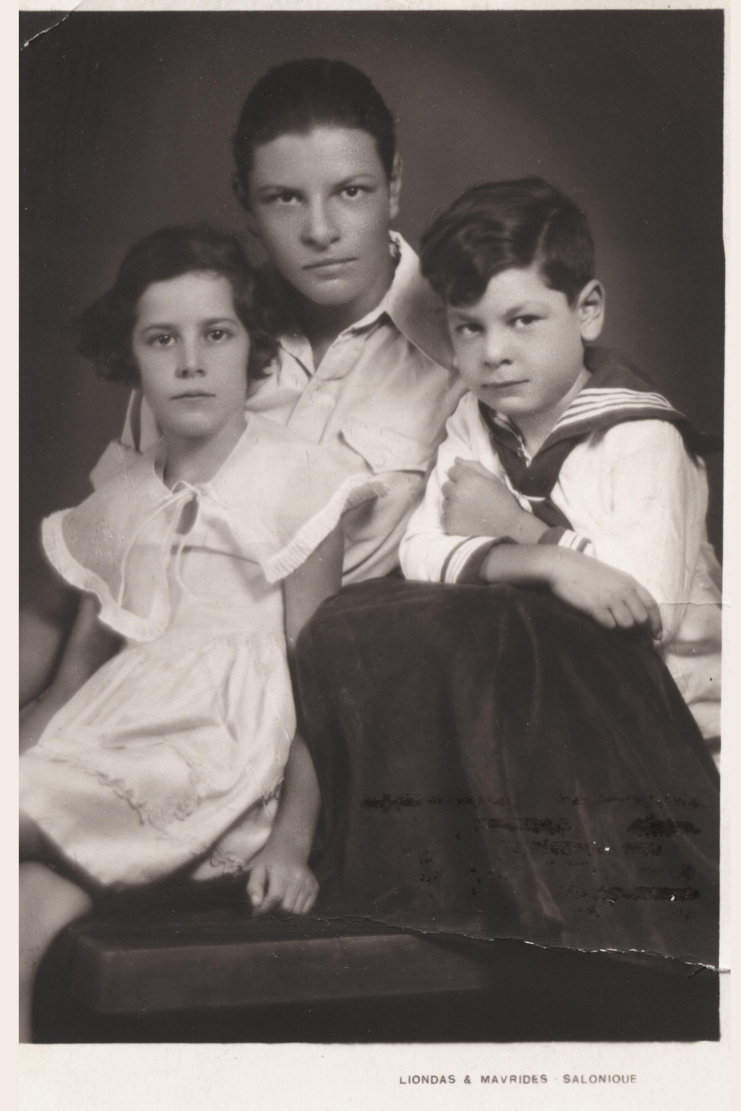 Deniz Nahmias and her brothers David and Solomon Angel