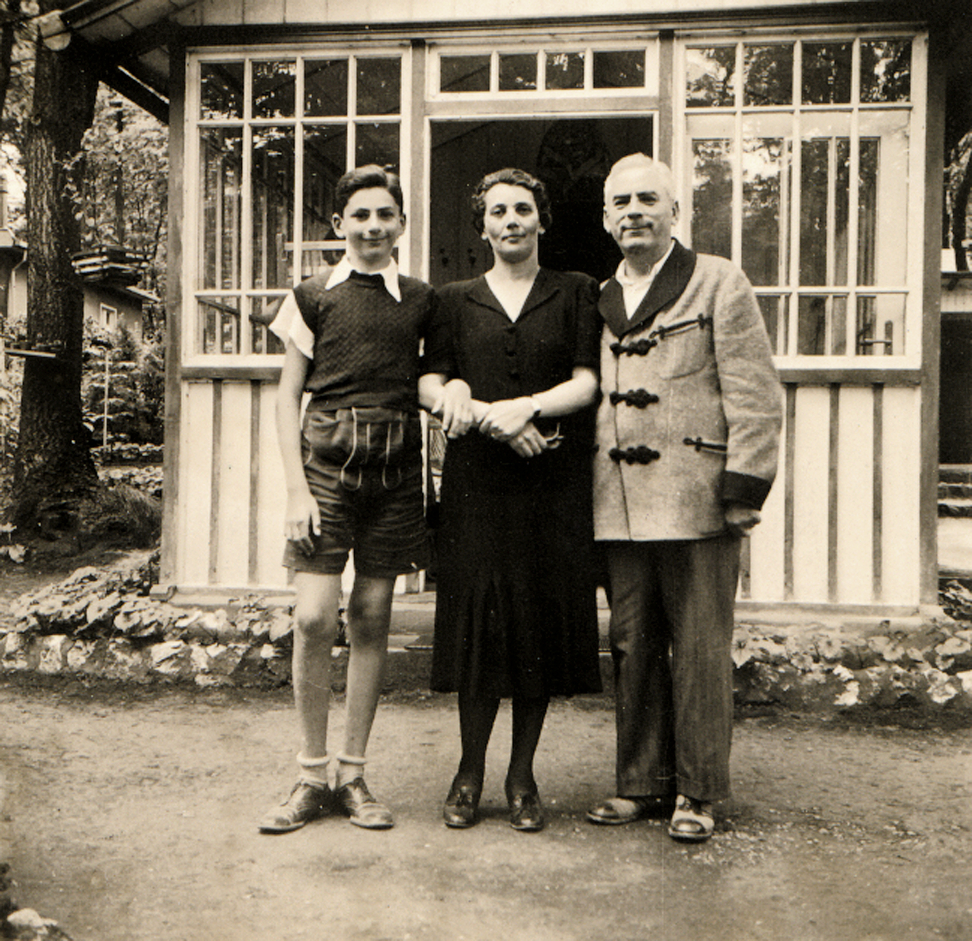 Gabor Paneth and his parents Lajos and Margit Paneth