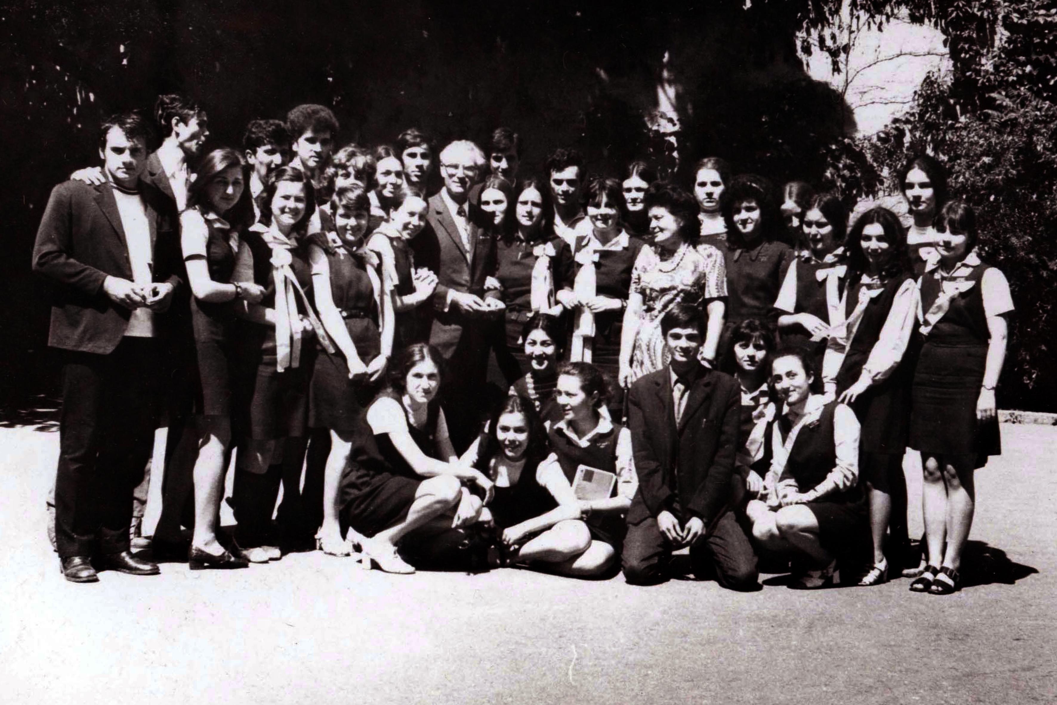 Oscar Roseanu mint tanár
