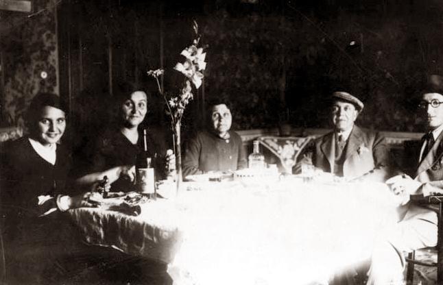 Marta Pasternakova and family