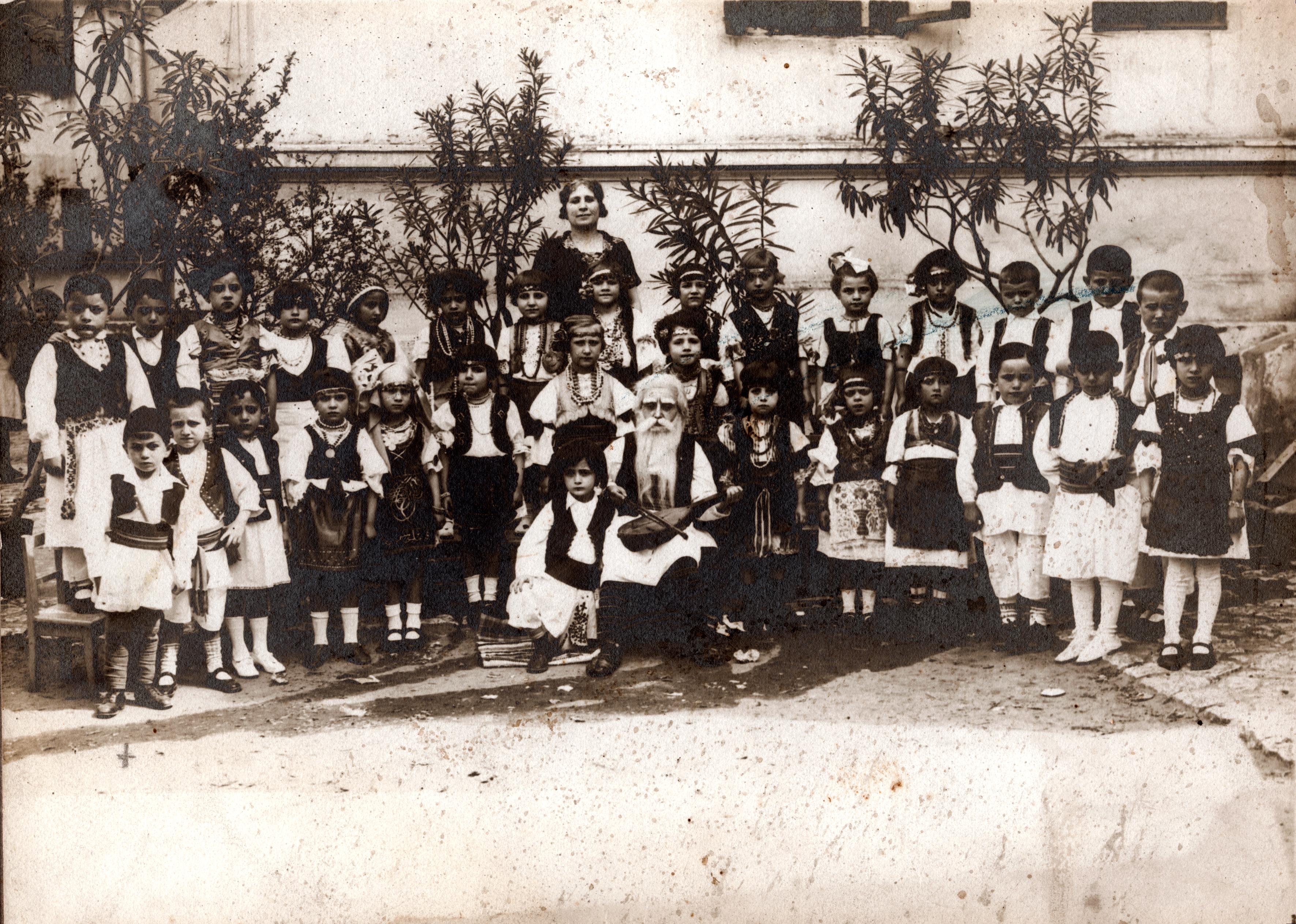 Samika Kalef and his class