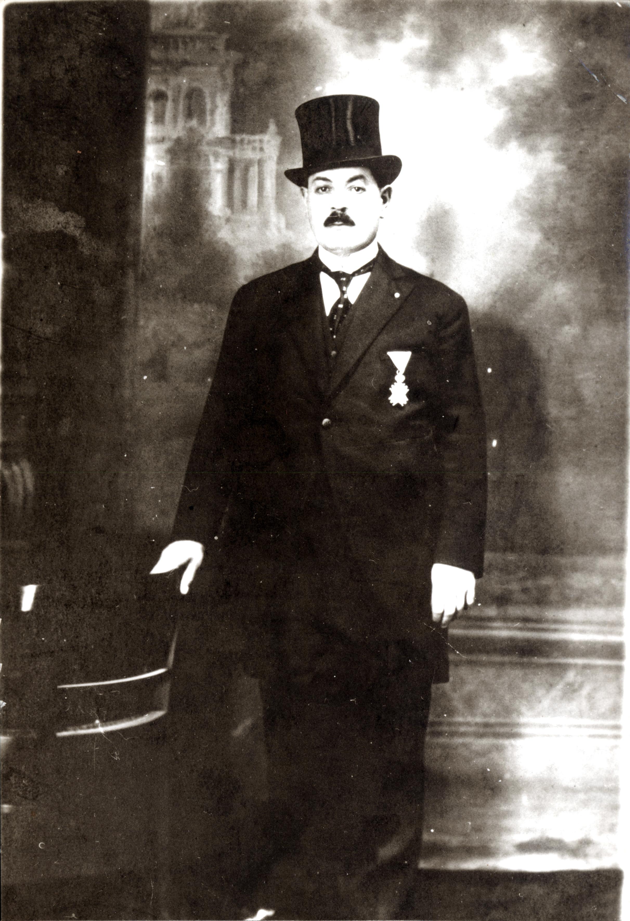 Jakov Kalef  with medal