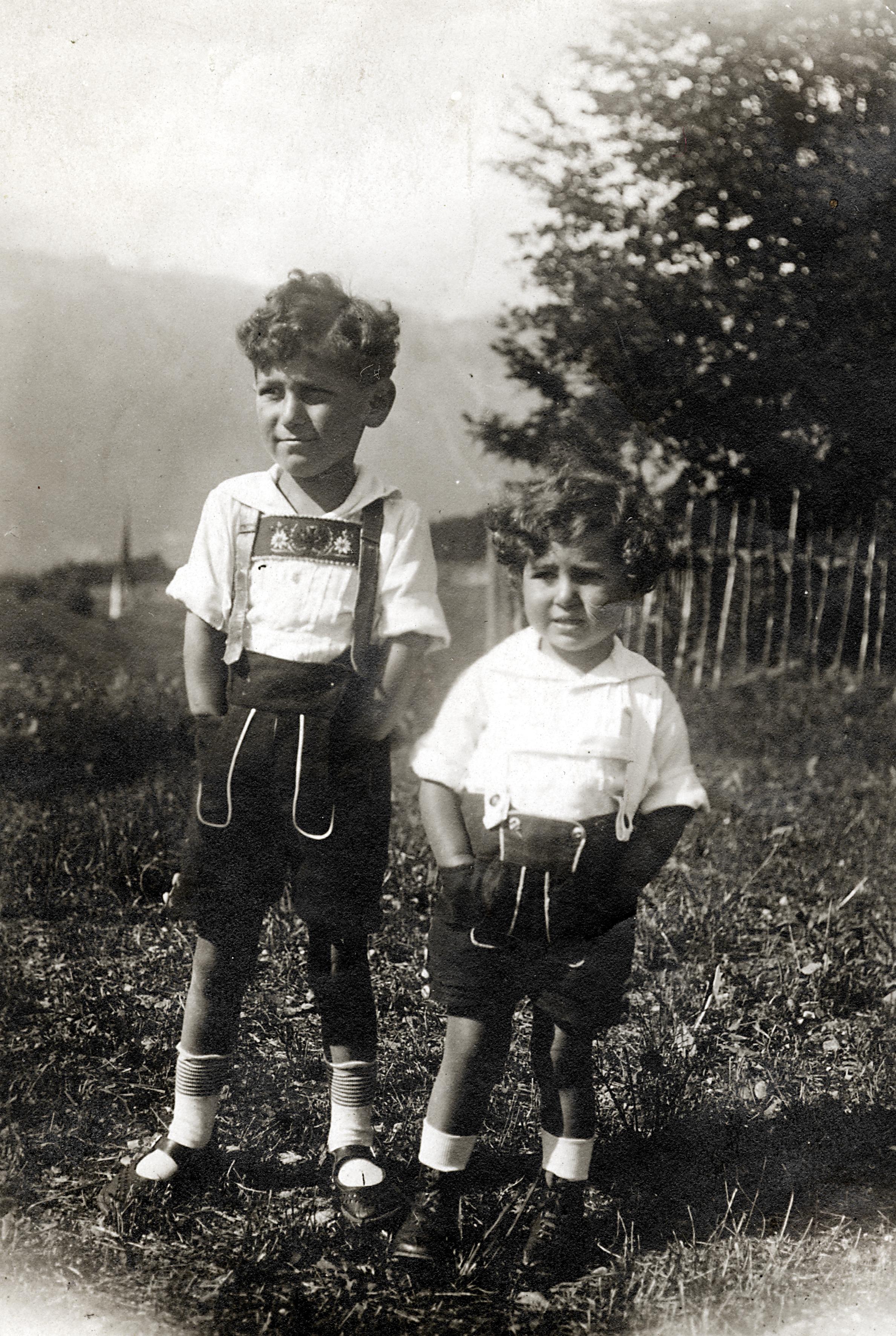 Peter Scheuer mit seiner Schwester Ellen