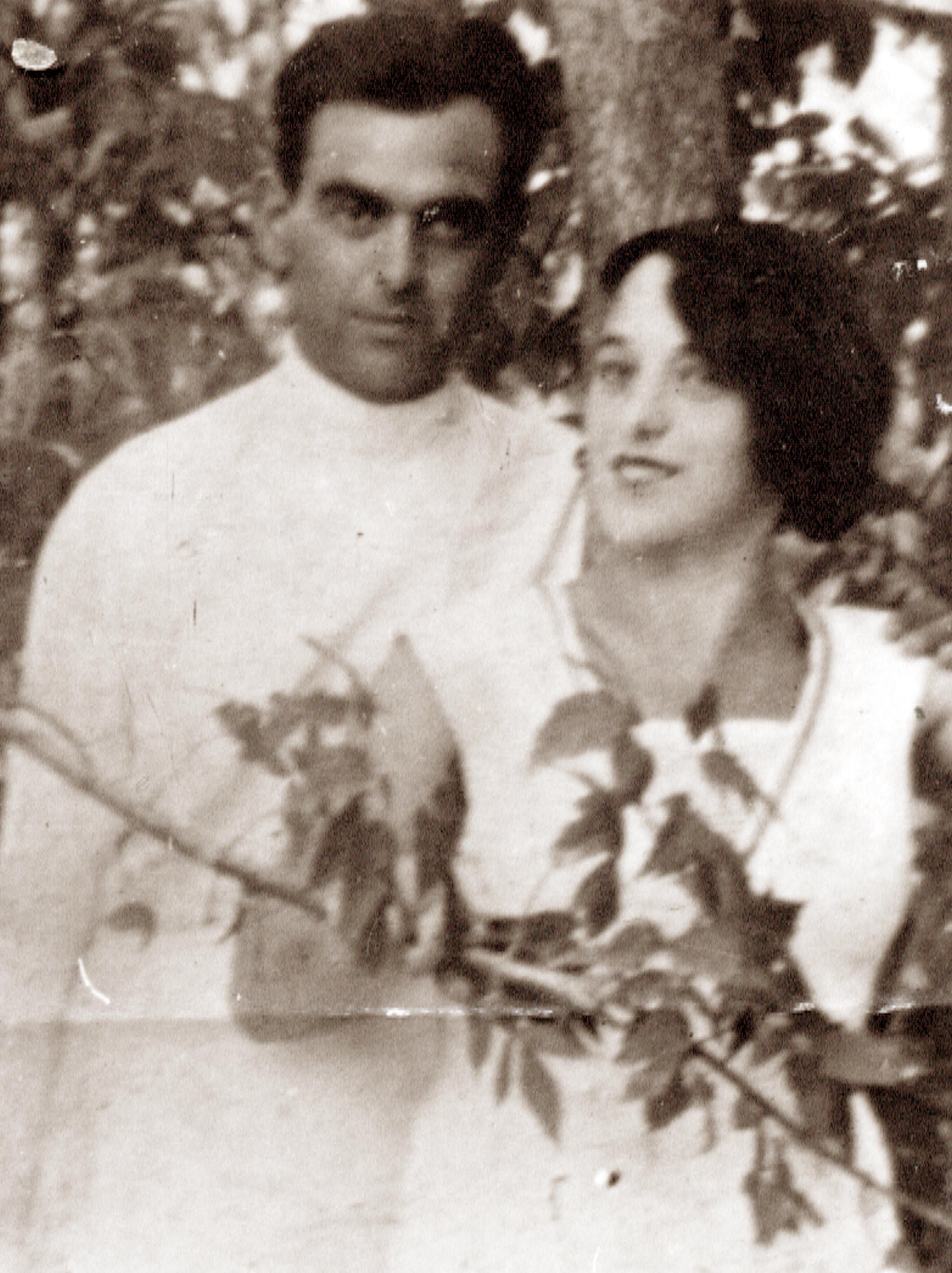 Nusia Gonopolskiy and Rosa Gonopolskaya