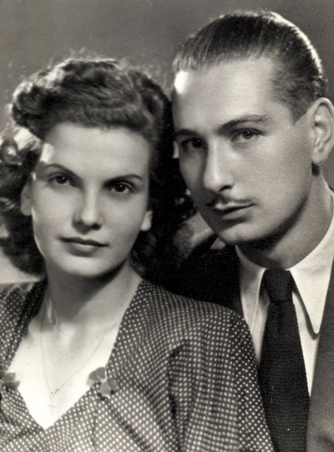 Bence Miklósné férjével