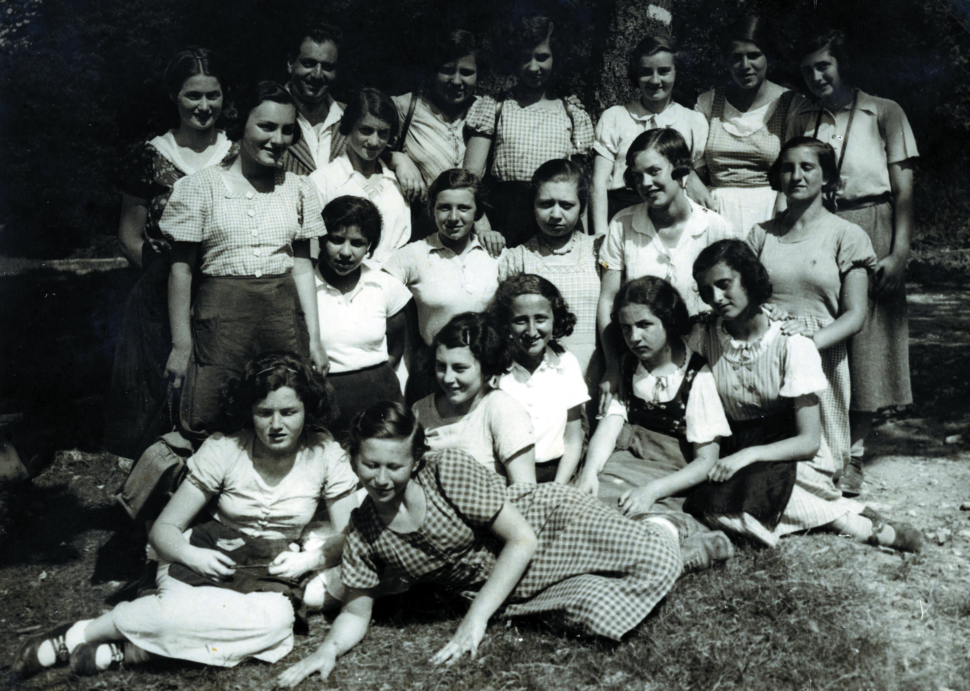 Luise Papo auf einem Klassenausflug