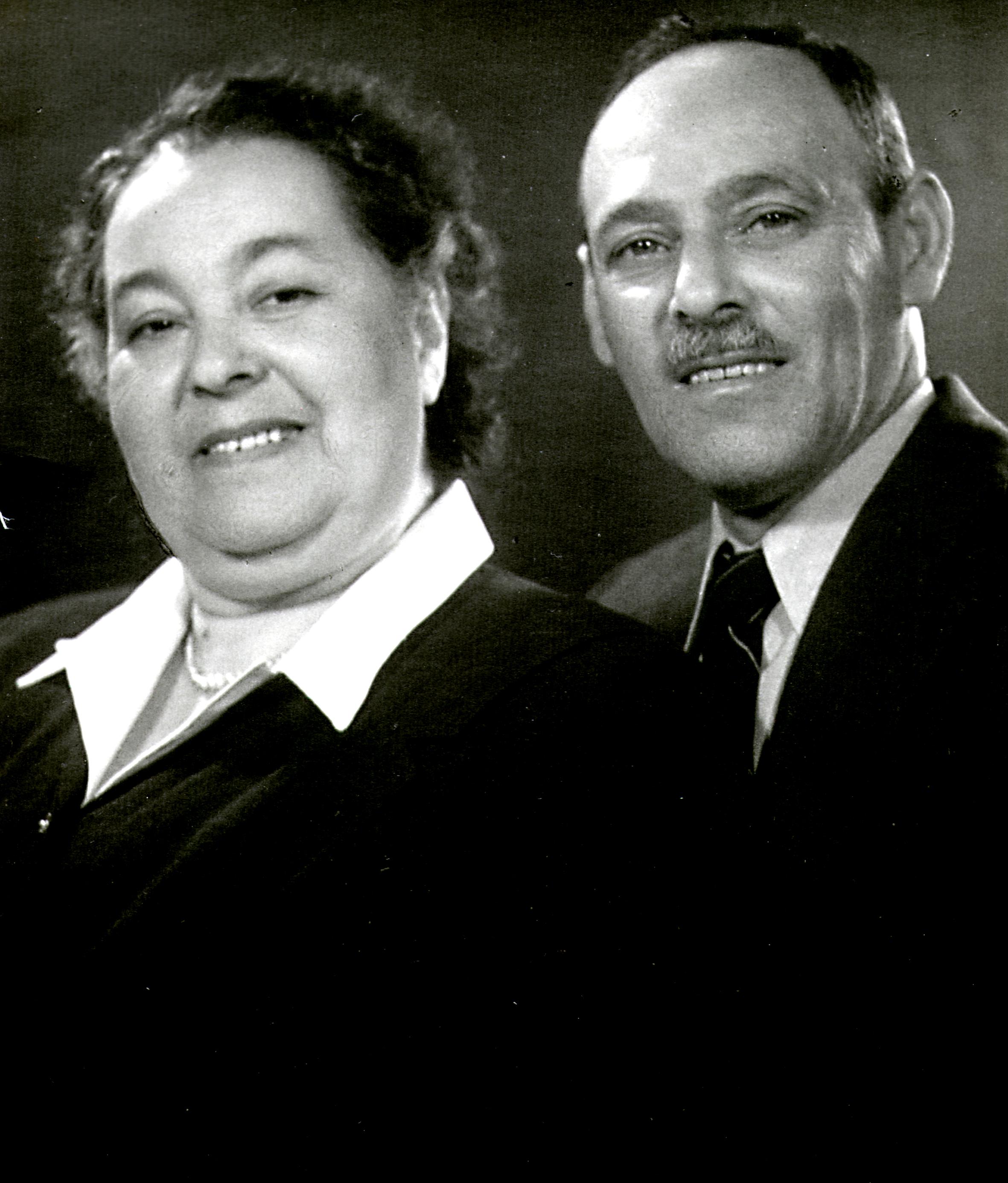 Goldklang Jenõ a feleségével