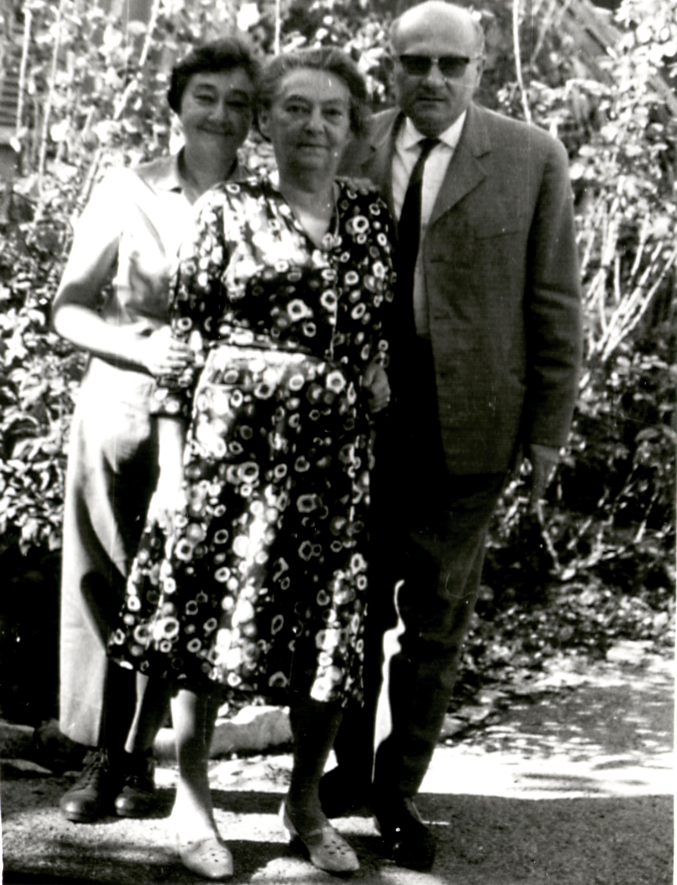 Braun Lajosné gyermekeivel