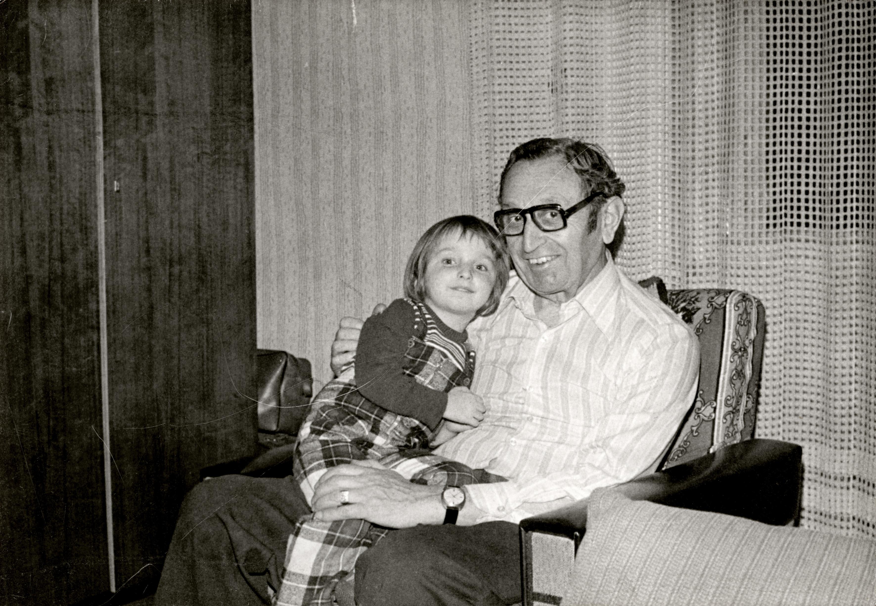 Gárdos Ferenc unokájával