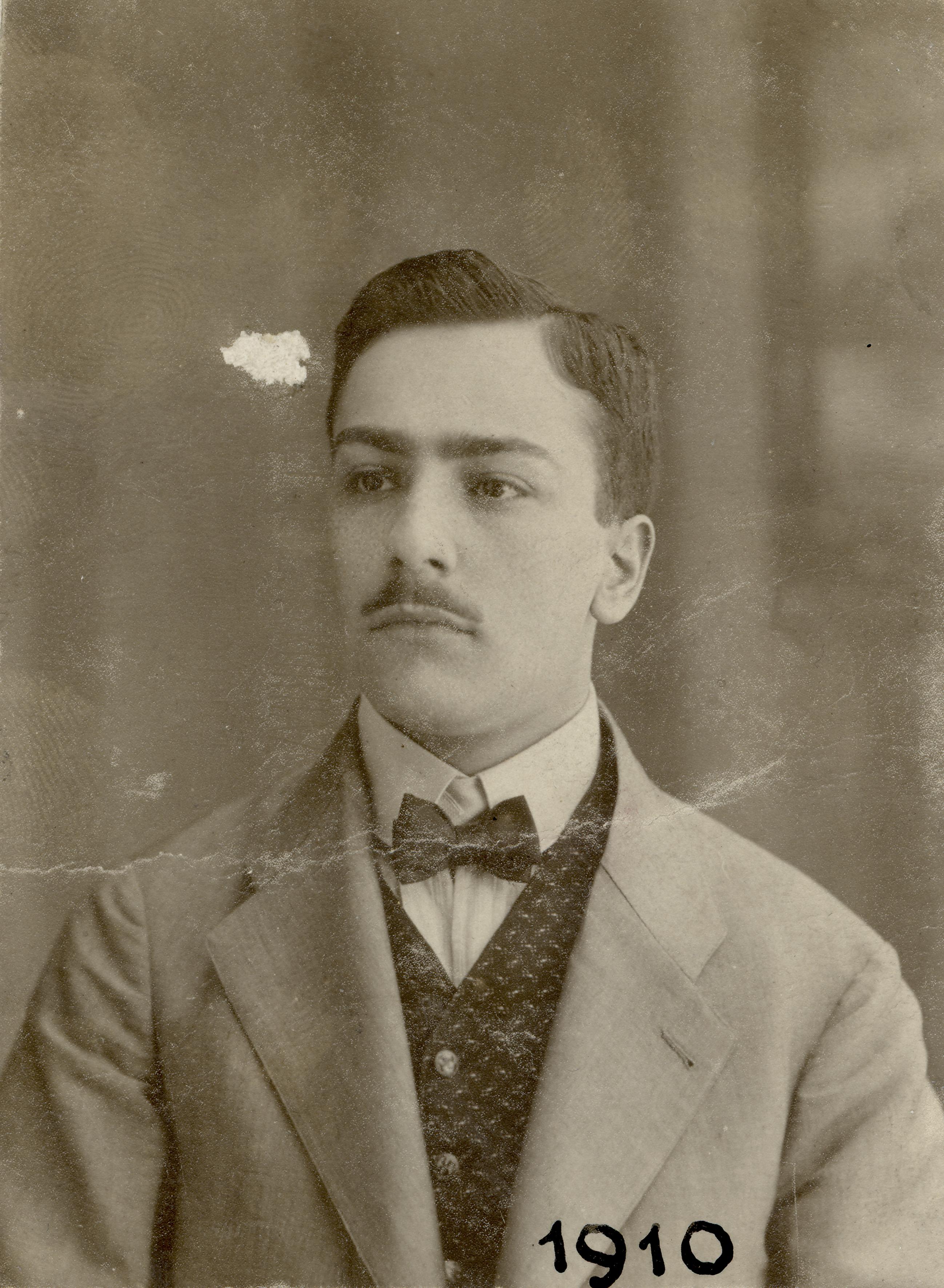 Miksa Domonkos at the age of 20
