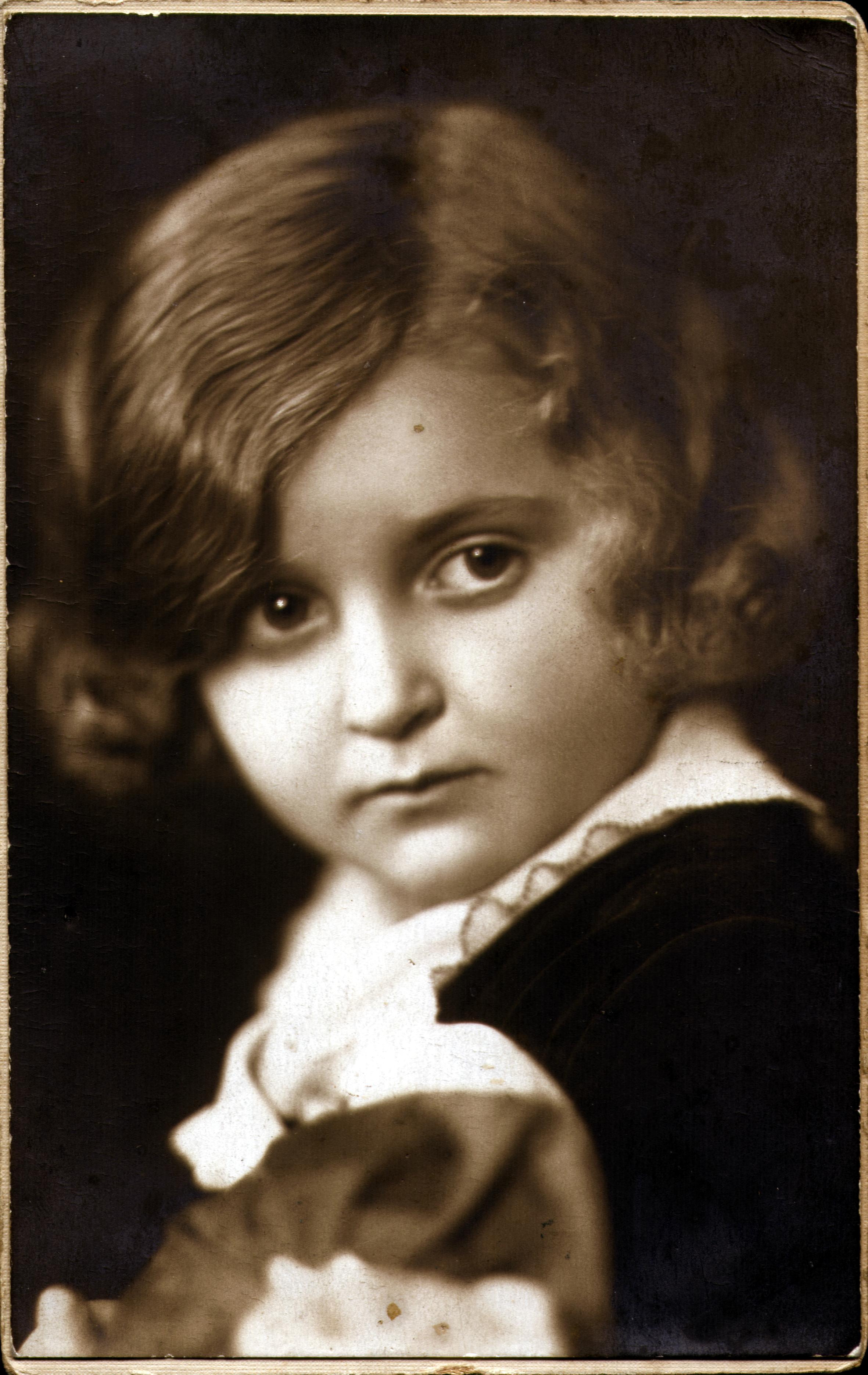 Szamosi Ivánné kislányként