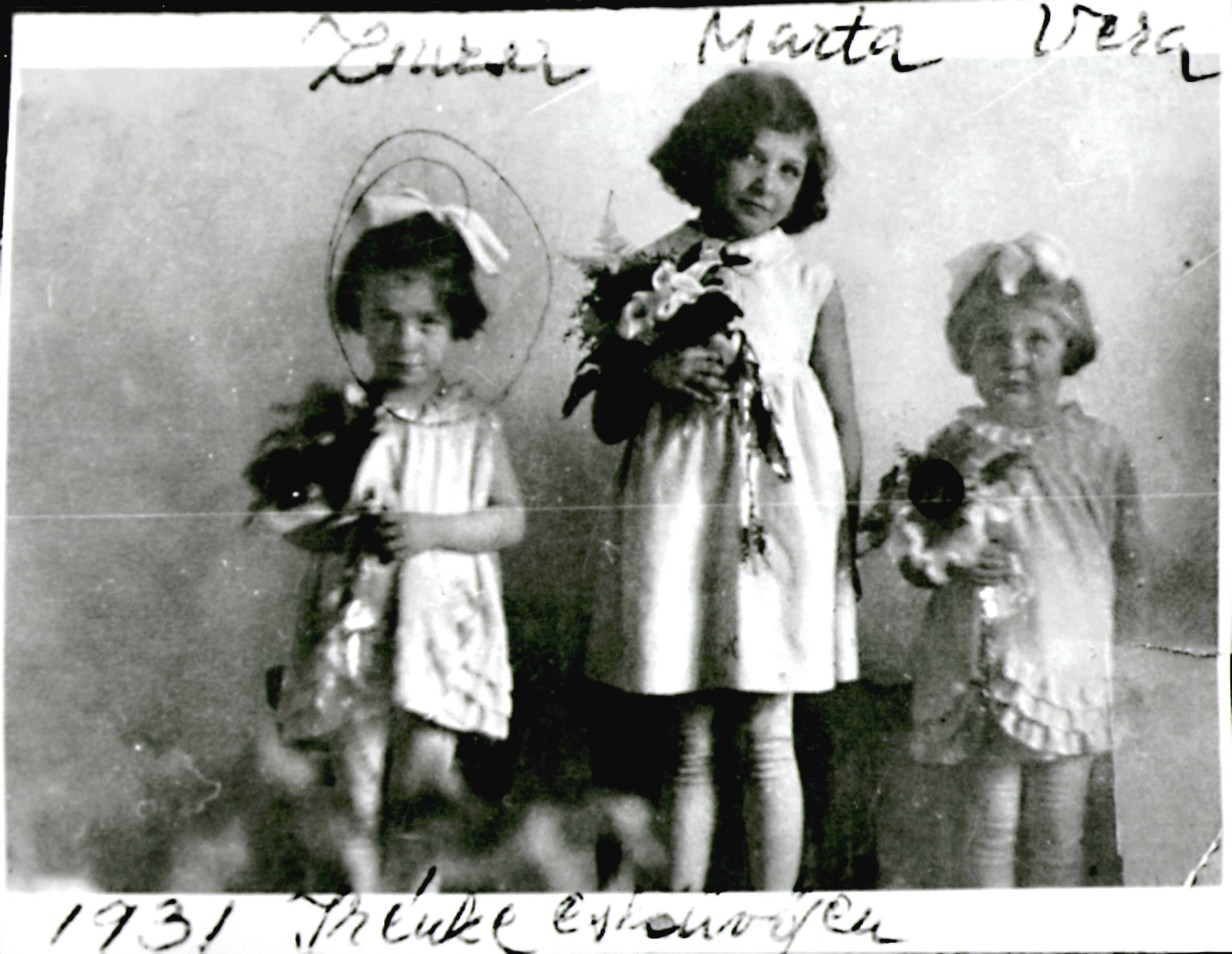 Dóczi Sándorné kislányként rokon kislányokkal