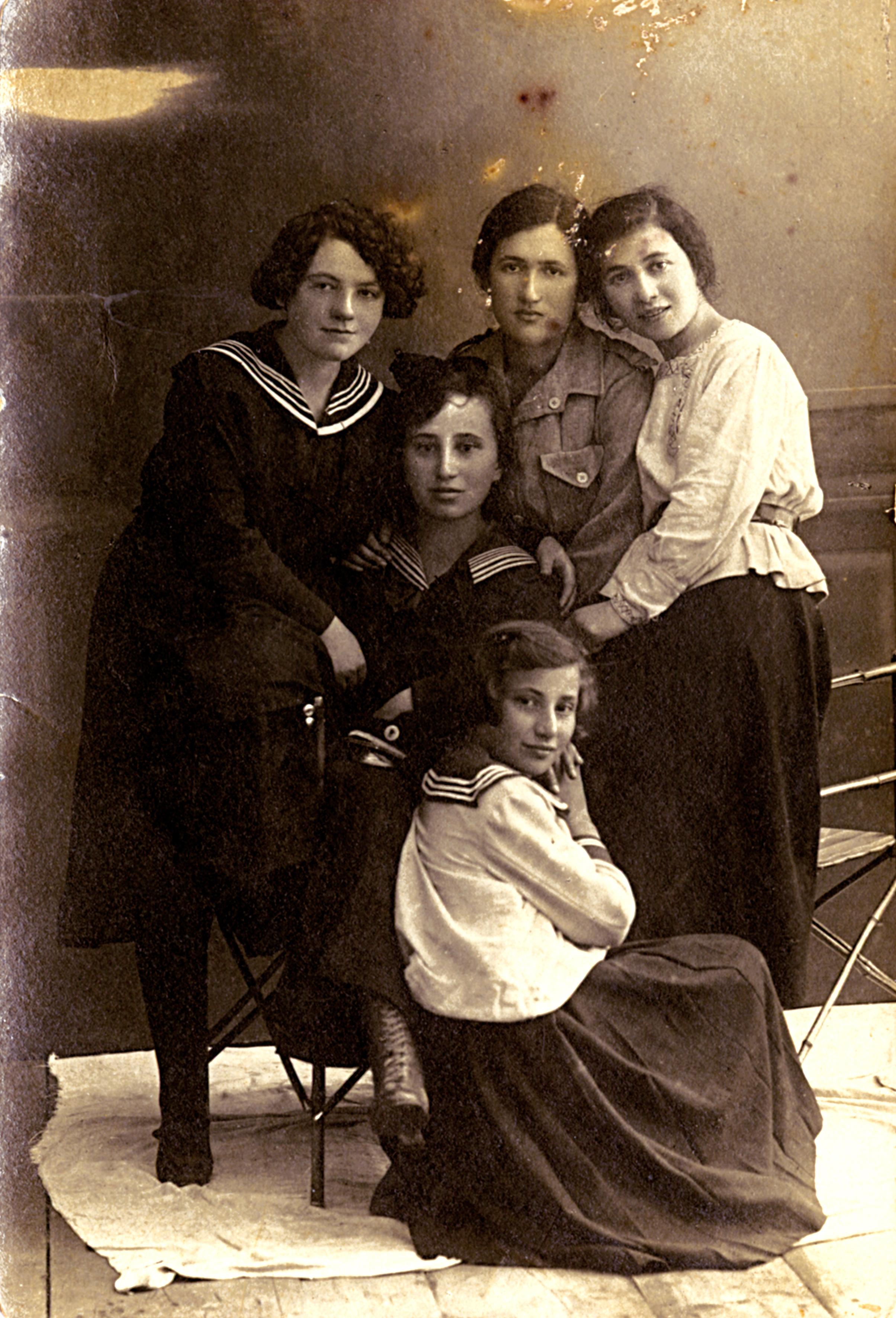 Sara Schifeldrin's friends