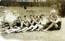 Rosa Rosenstein with her sisters and friends in Bad Buckow