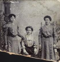 The three Moskona sisters Yafa, Naumi and Matilda