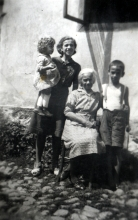 Mazal Asael with her mother Delicia Eshkenazi and brother Samuil Eshkenazi