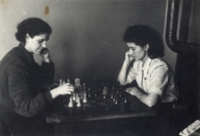 Roza Anzhel playing chess