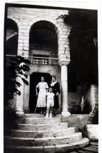 Albertos Beraha with his mother and aunt on vacation in Pelion