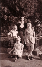 Tori and Rosa Modiano and Rosa Alvo with a teacher