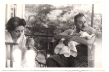 Renee and Solon Molho with their first child, Mair