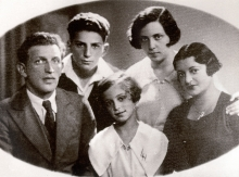 Lia German with her parents and siblings