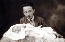 Lilli Tauber and her brother Eduard Schischa