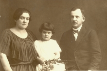 Renata Zisman with her parents Berta and Artur Springut