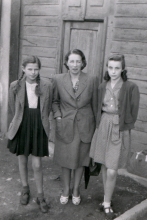 Agnesa Urbanova with her mother Aurelia Sandorova and her cousin Julika
