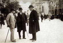 Julius Hahn with friends in Karlovy Vary