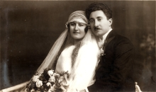 Stella and Benko Darsi's wedding portrait