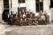 The staff of Ilona Seifert's paternal grandfather Bernat Riemer's bakery