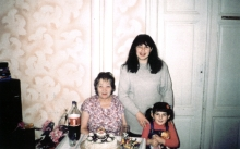 Dina Orlova with her daughter and granddaughter