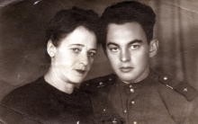 Simon Gonopolskiy and his mother Rosa Gonopolskaya