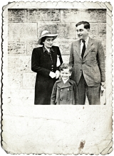 Erzsebet Radvaner with her brother Laszlo Gonczi and his son Adam