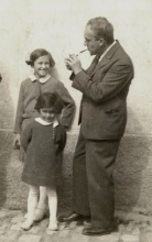 Emil Polak with his daughters