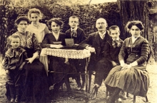 Marie and Antonin Dolansky and their children