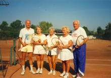 Jiri Munk with his wife Alena and friends on a tennis court
