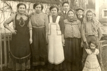 Anna Kopska and other employees of Alois Brod