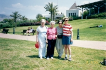 Viera Slesingerova with her daughter and friends in Israel