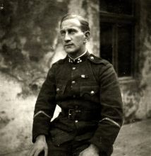 Imre Lunczer as platoon commander in the Hungarian Army